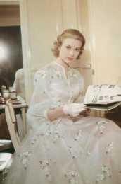 美人懷舊——高貴優雅的王妃格蕾絲凱麗